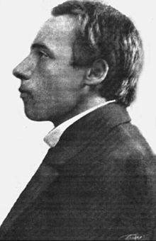 220px-Velemir_Khlebnikov_1913